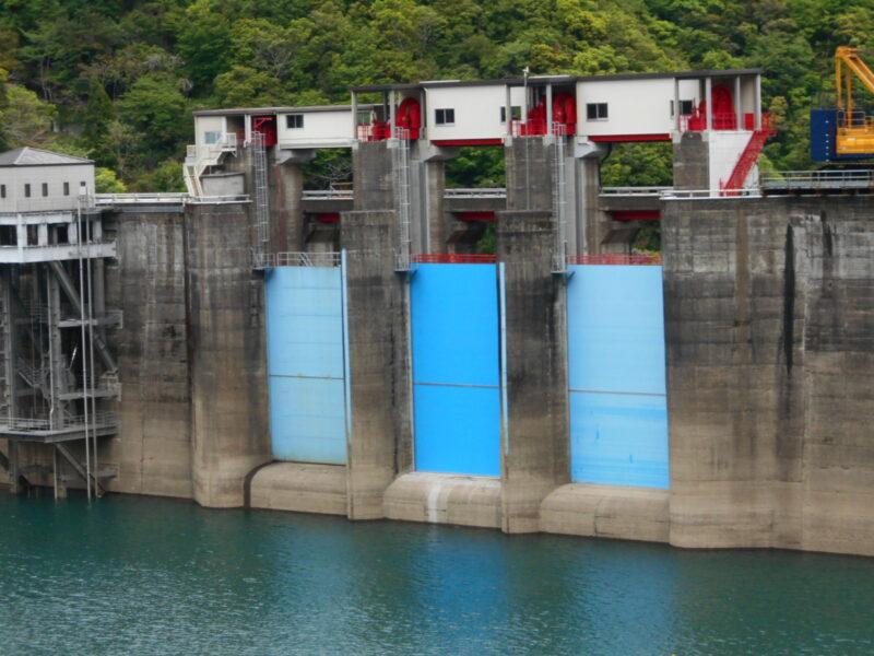 宮川ダム2号クレストゲート(三重県)